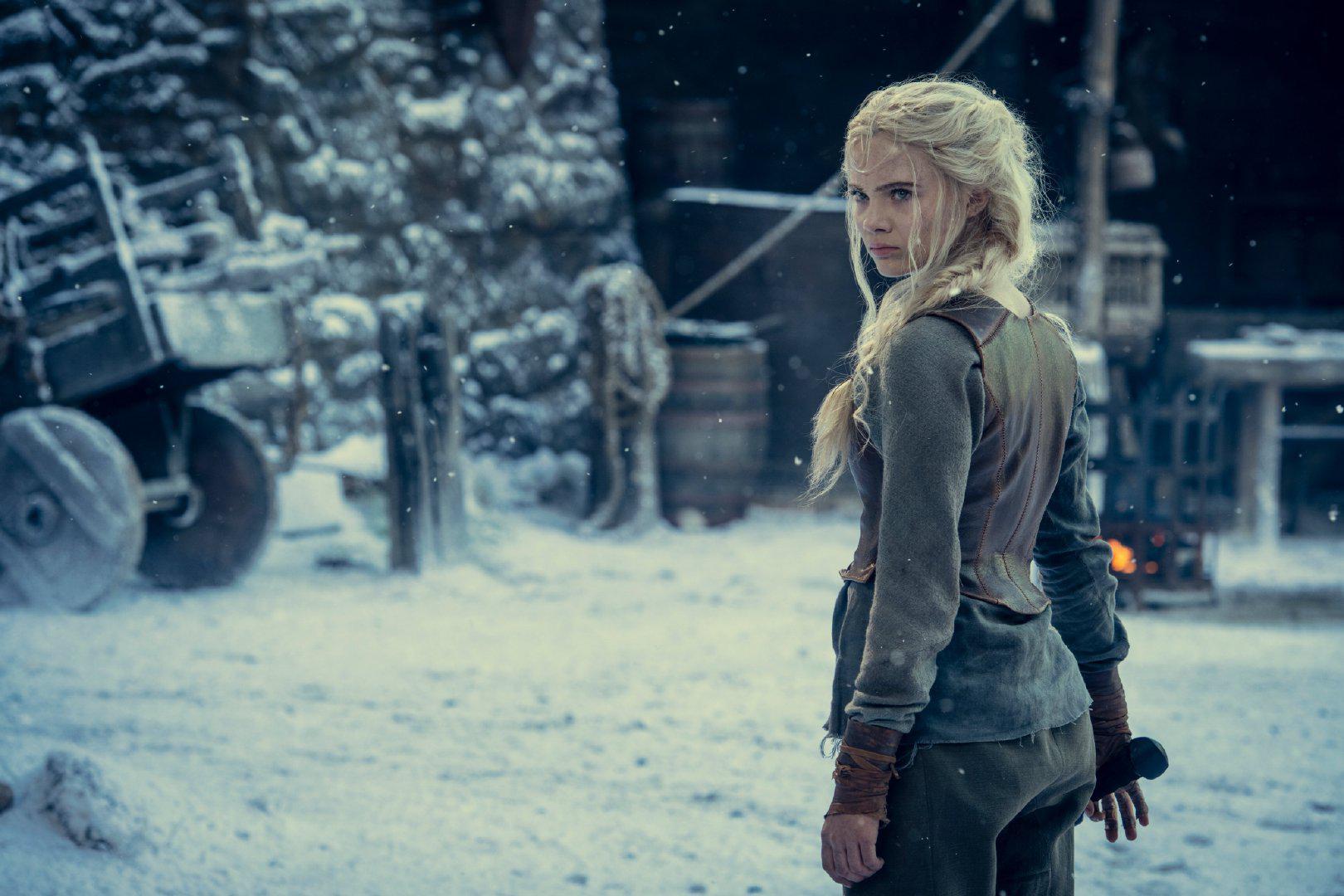 《巫師》第二季新劇照 希裡揮劍接受戰鬥訓練
